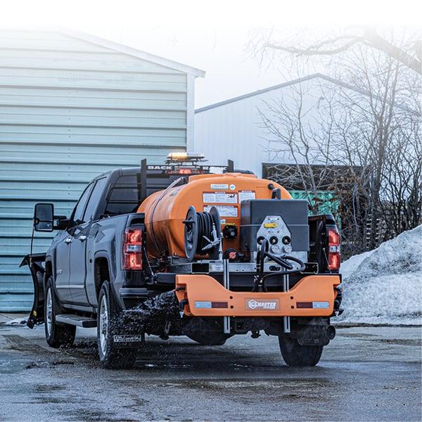Liquid-Master-E-Series-De-icing-a-Parking-Lot-on-A-Truck
